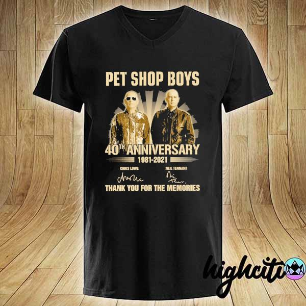 Awesome pet ship boys 40th anniversary 1981 - 2021 chris lowe neil tennant signatures thank you for the memories V-neck